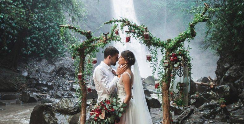 свадьба у водопада бали 1