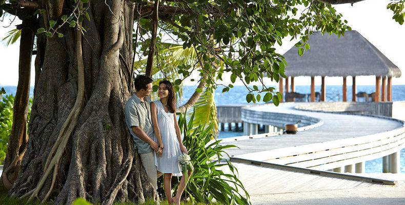 Dusit Thani Maldives wedding 3