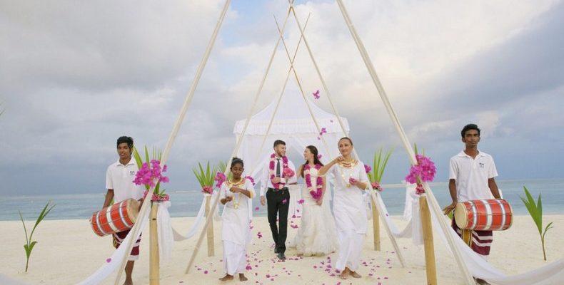 Olhuveli Resort wedding 3