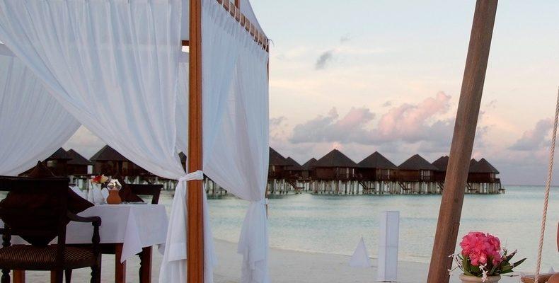 Olhuveli Resort wedding 5
