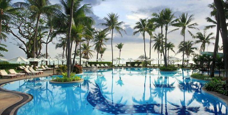 Centara Grand Beach Resort Hua Hin 3