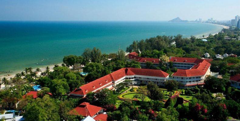 Centara Grand Beach Resort Hua Hin 4