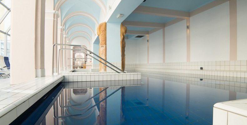 Grand Hotel Rogashka 4